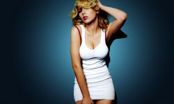 Scarlett Johansson widescreen for desktop