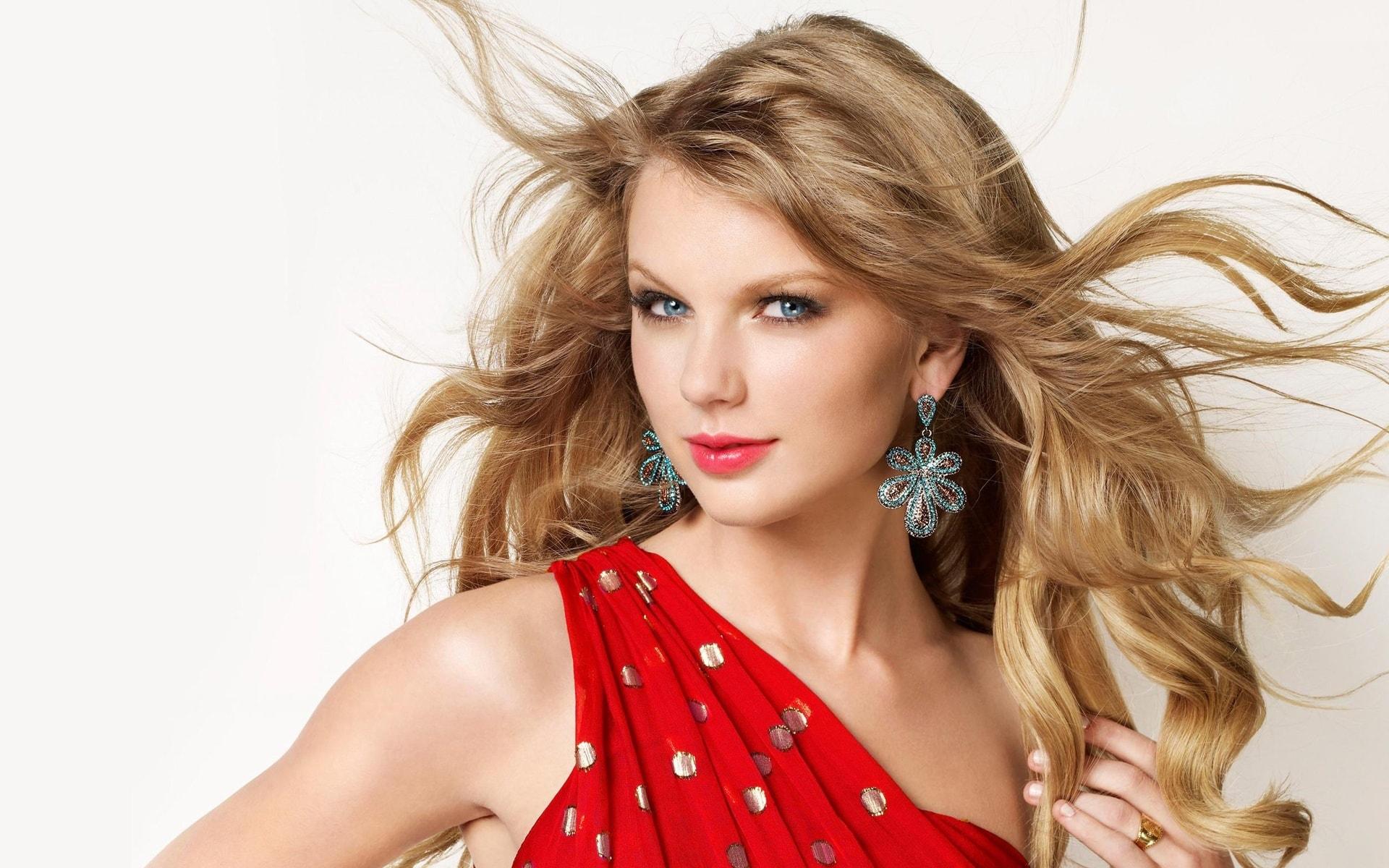 Taylor Swift widescreen for desktop