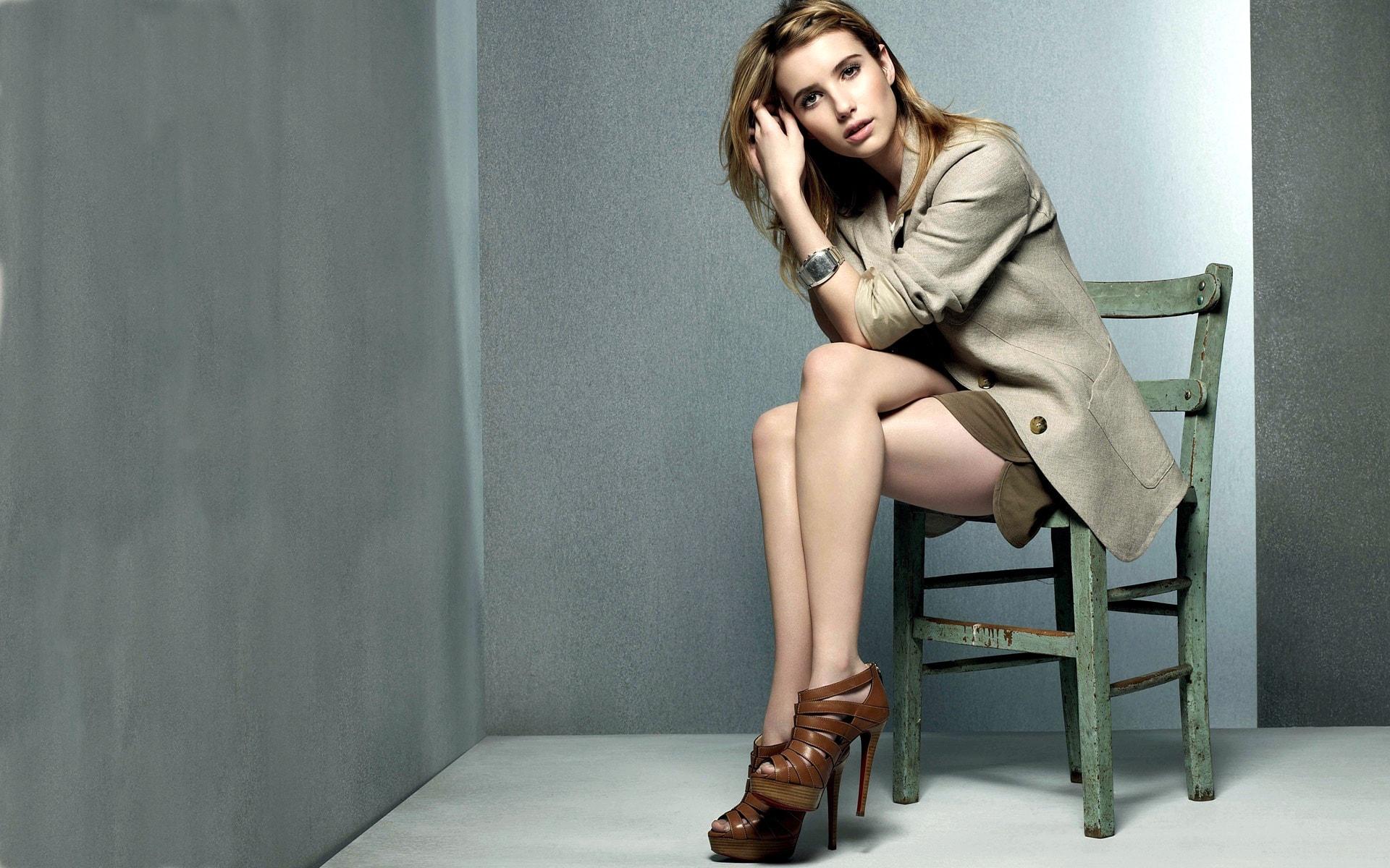 Emma Roberts desktop wallpaper