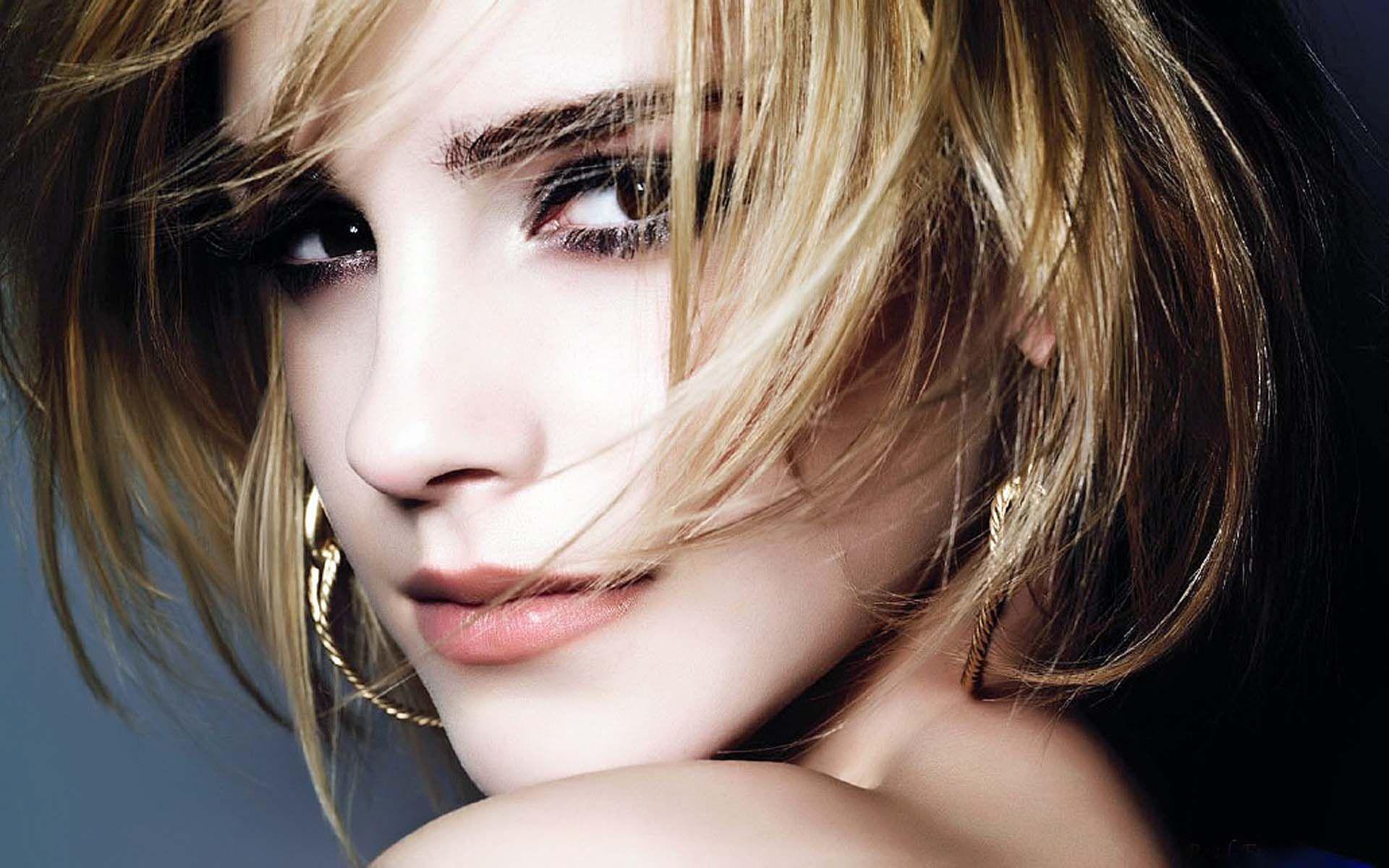 Emma Watson desktop wallpaper