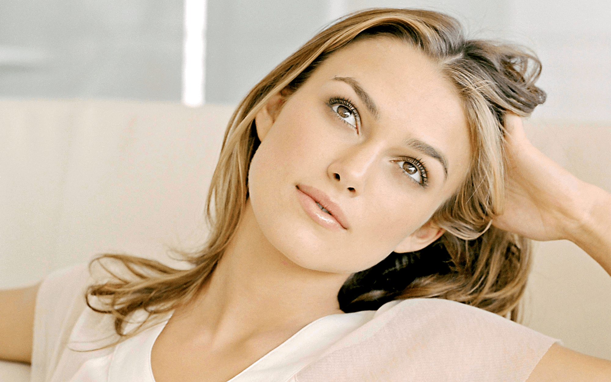 Keira Knightley desktop wallpaper