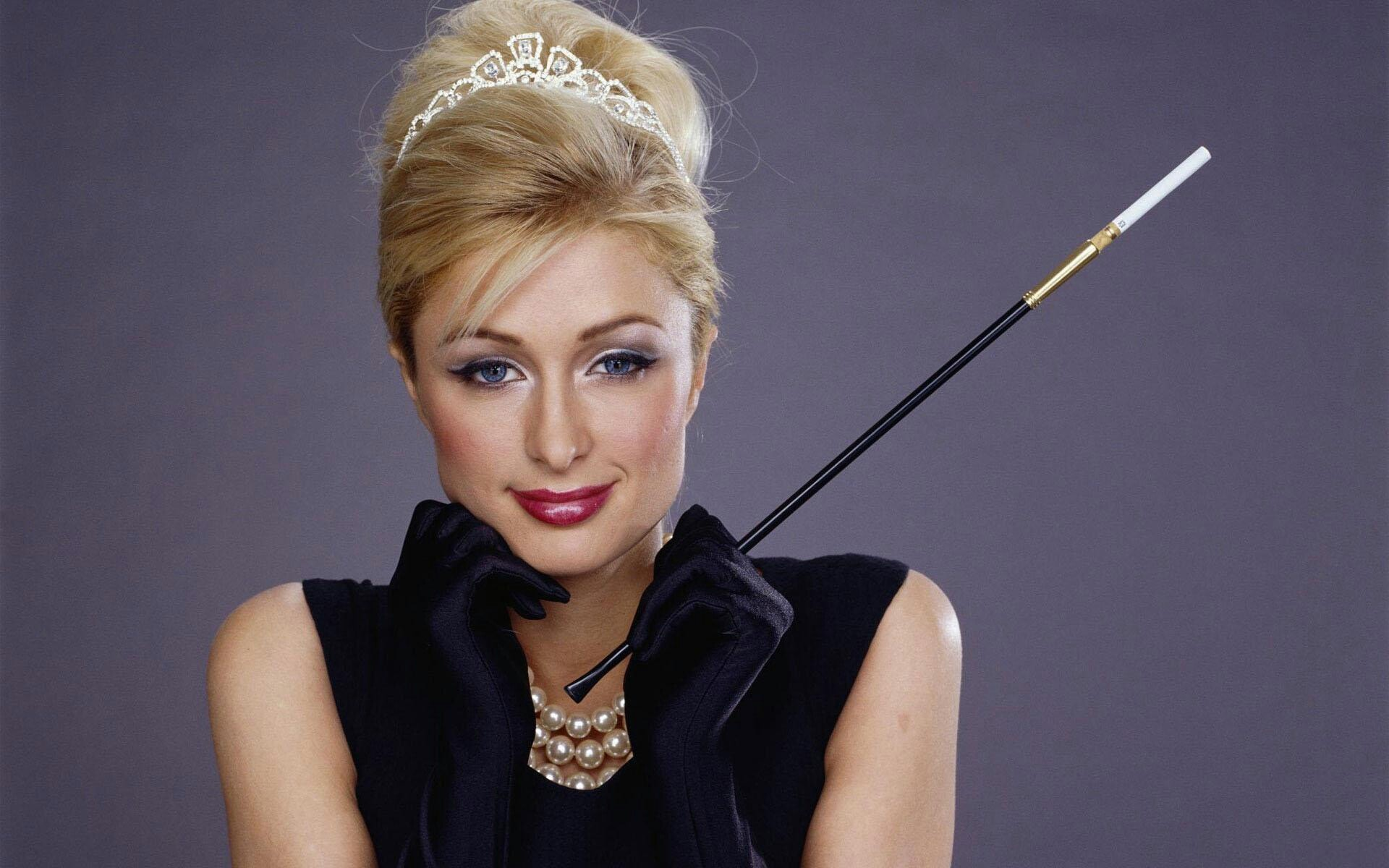 Paris Hilton desktop wallpaper