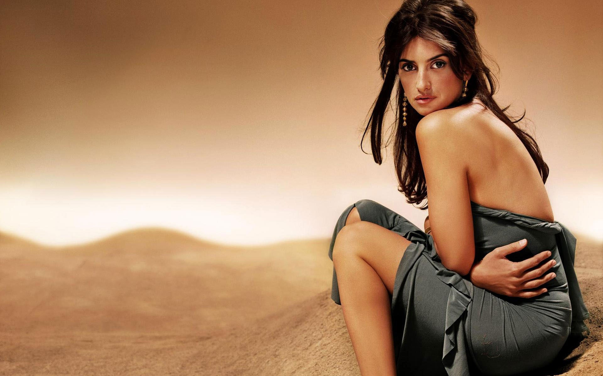 Penelope Cruz desktop wallpaper