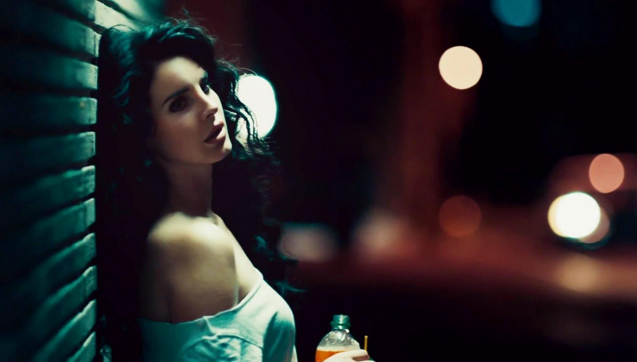 Lana Del Rey Wide wallpapers