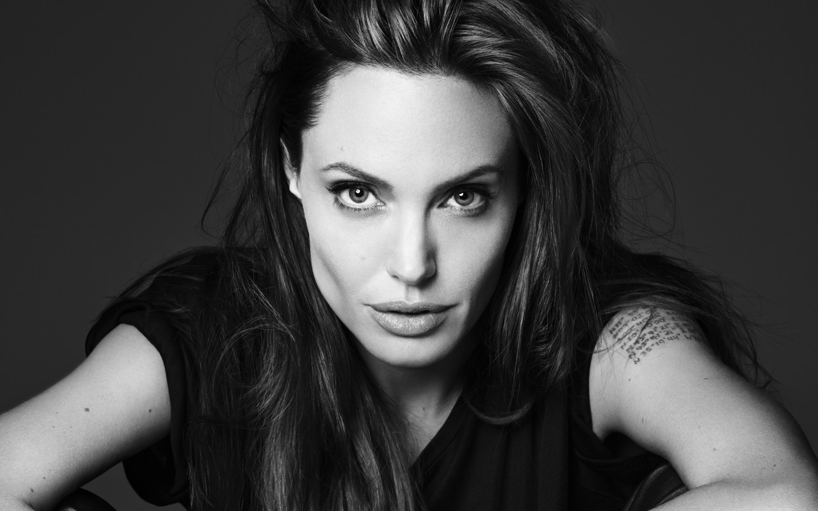 Angelina Jolie Free