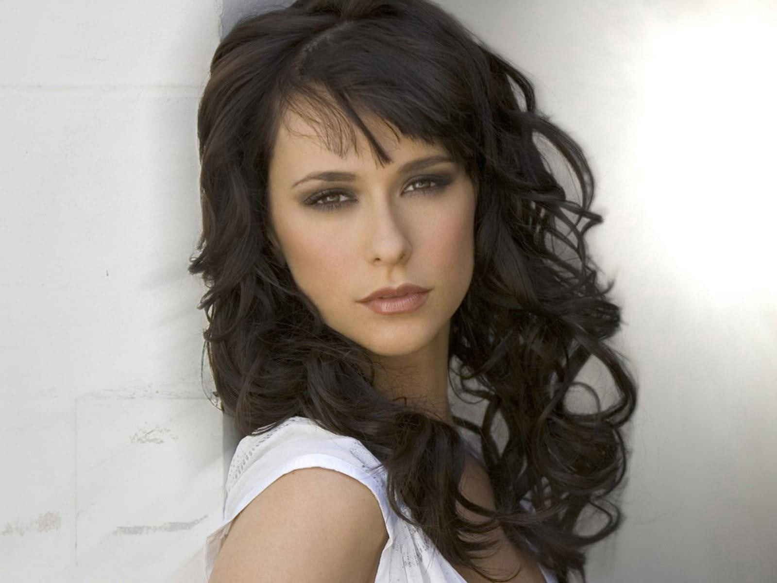 Jennifer Love Hewitt High