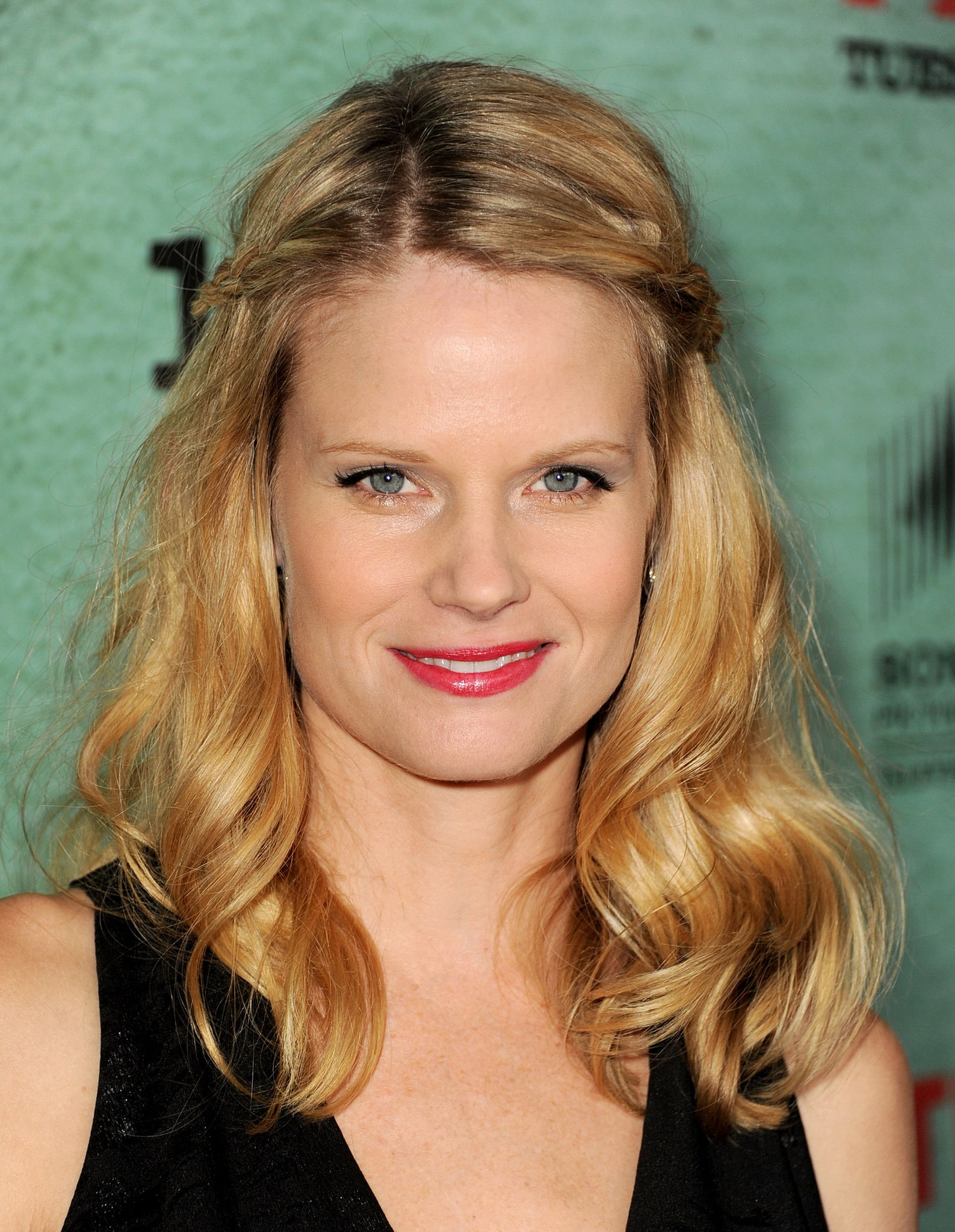 Joelle Carter widescreen