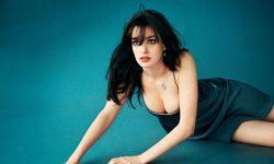 Anne Hathaway Free