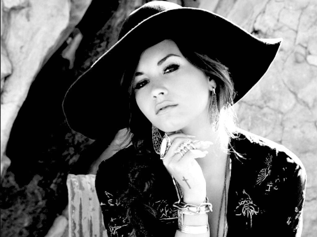 Demi Lovato widescreen wallpapers