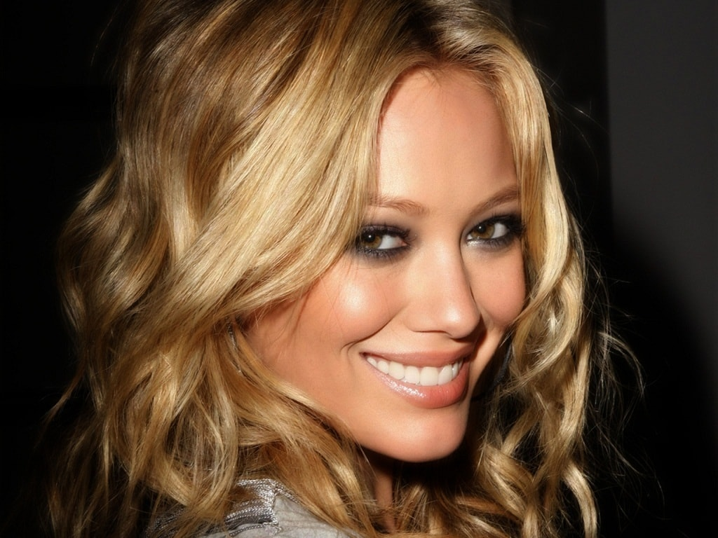 Hilary Duff Wide wallpapers