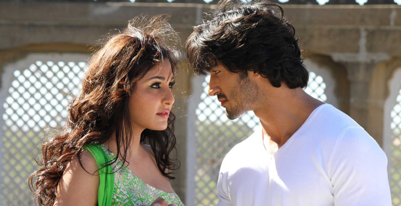 Pooja Chopra background