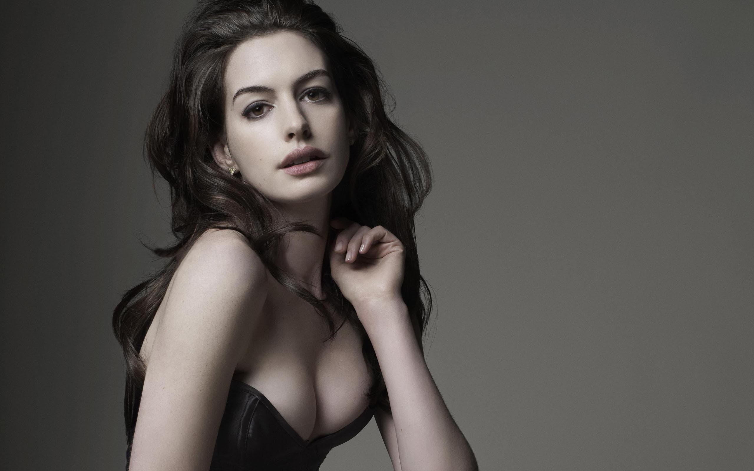 Anne Hathaway Hd Wallpapers 7wallpapersnet