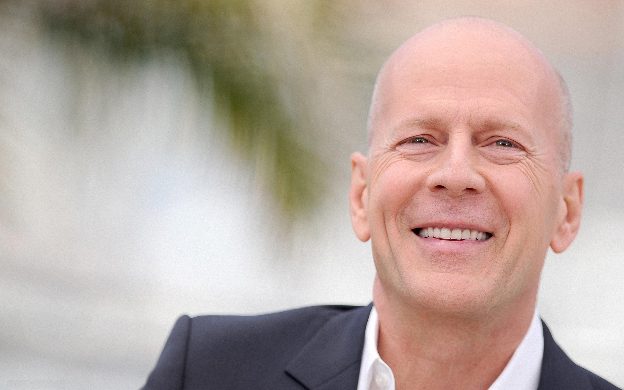 Bruce Willis Free