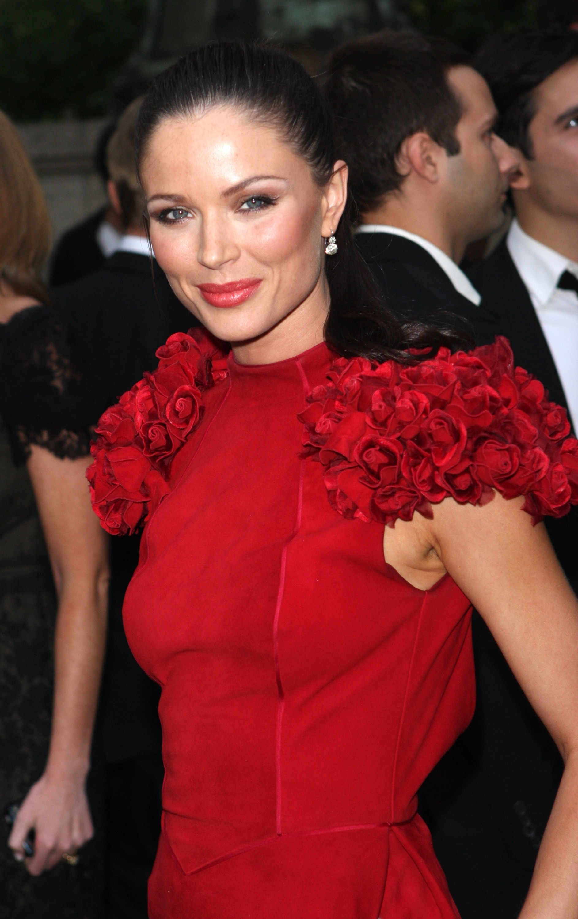 Georgina Chapman iPhone wallpapers