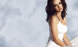 Jennifer Love Hewitt Free