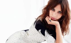 Alexa Chung desktop wallpapers