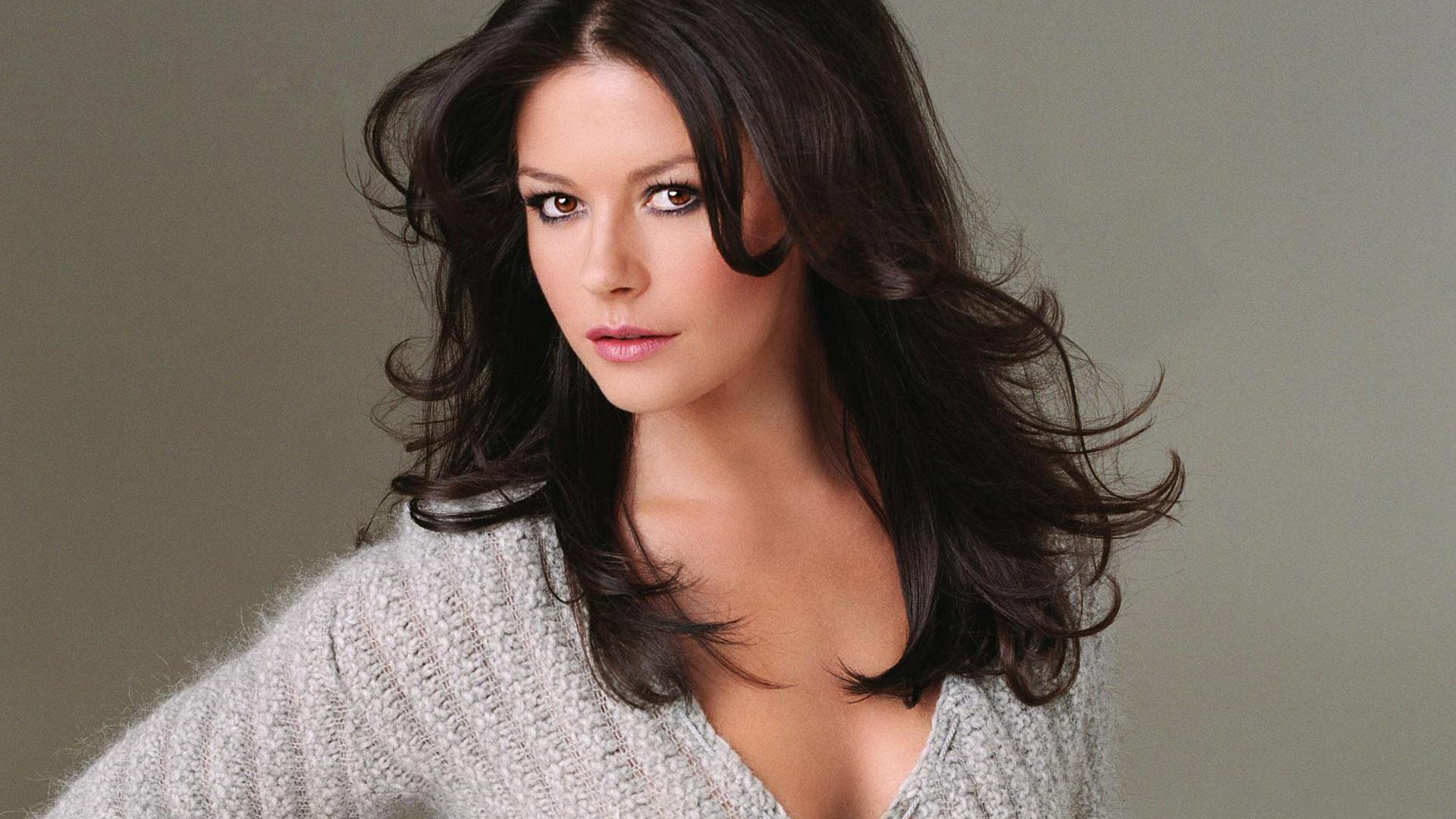 Catherine Zeta-Jones widescreen