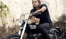 Chris Hemsworth widescreen