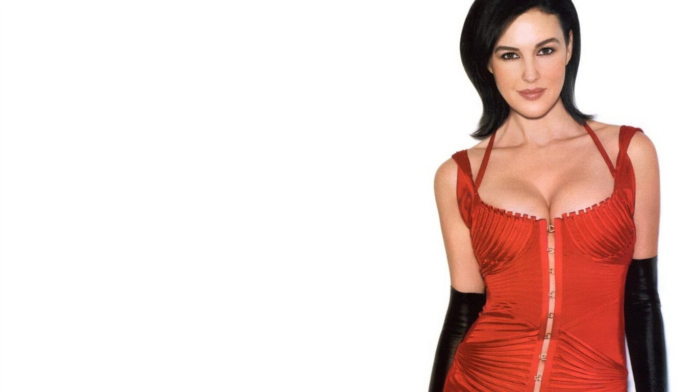Monica Bellucci widescreen