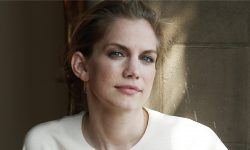 Anna Chlumsky backgrounds