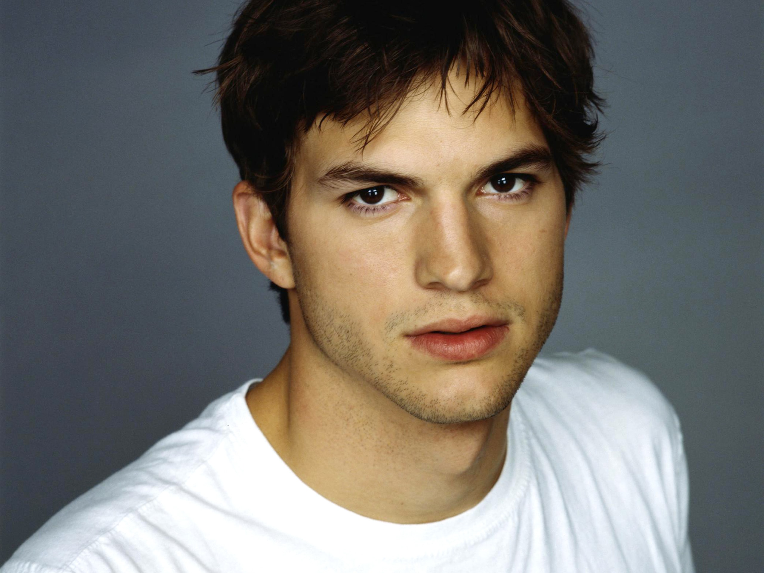 Ashton Kutcher Wallpapers hd