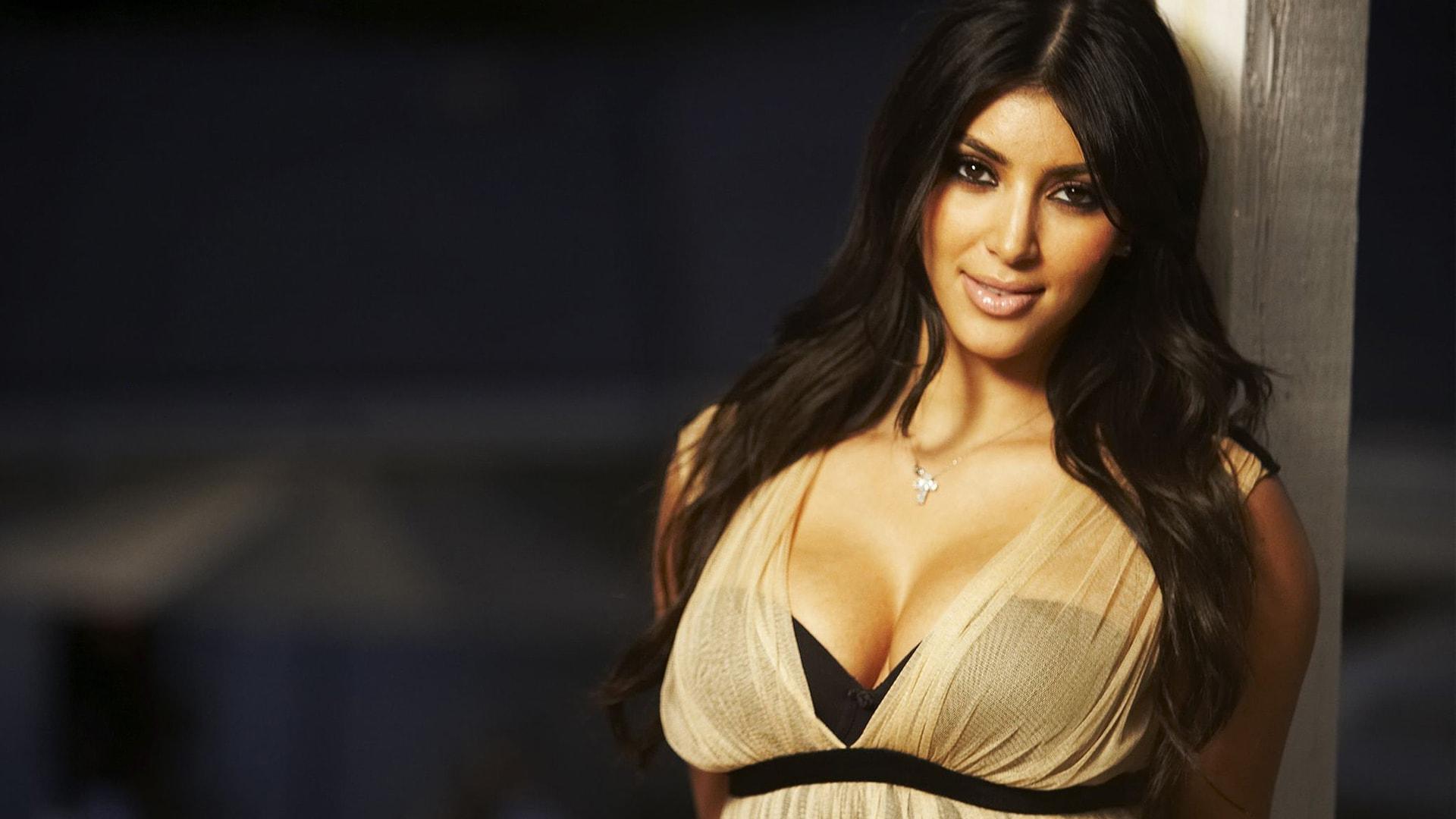 Kim Kardashian Wallpapers hd