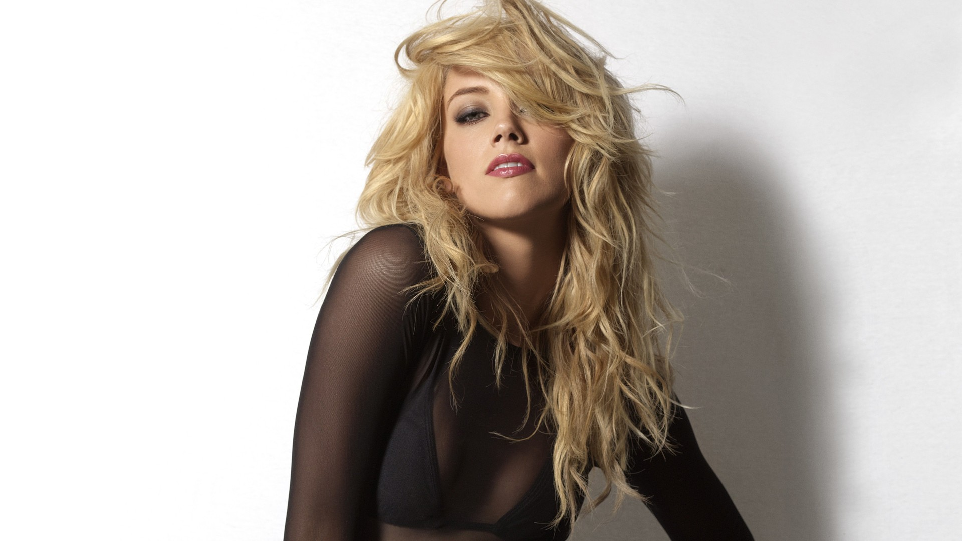 Amber Heard HD pics
