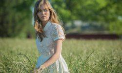 Lili Simmons HD pics