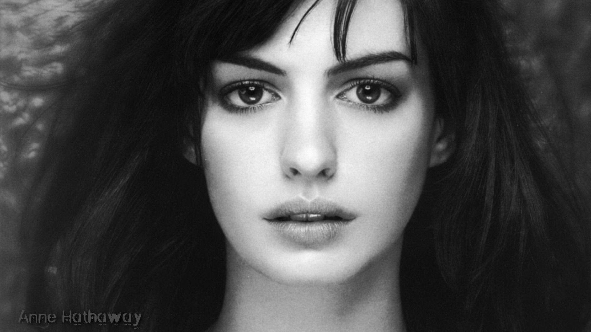 Anne Hathaway Background
