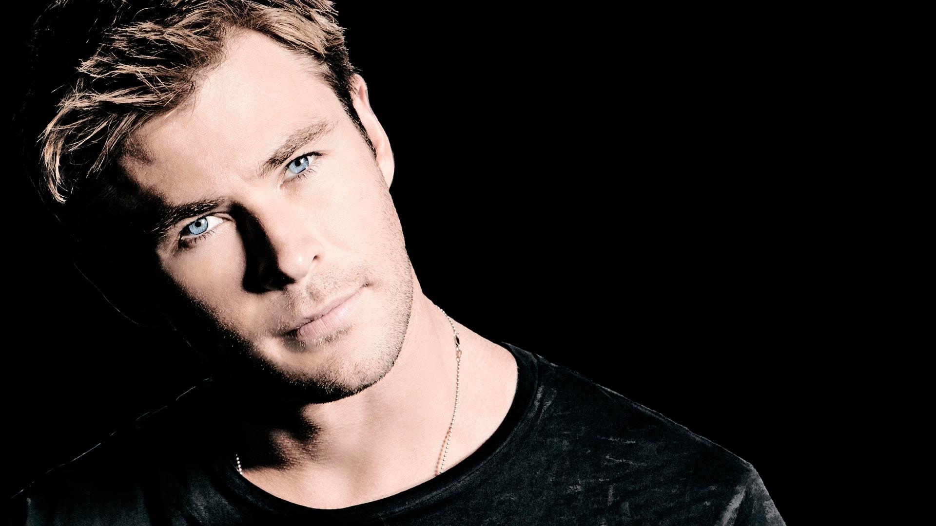 Chris Hemsworth Backgrounds