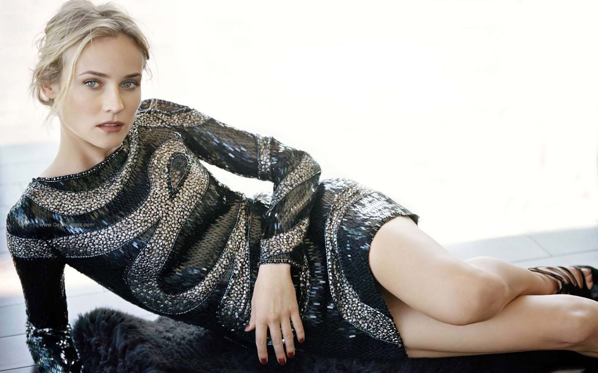 Diane Kruger Backgrounds