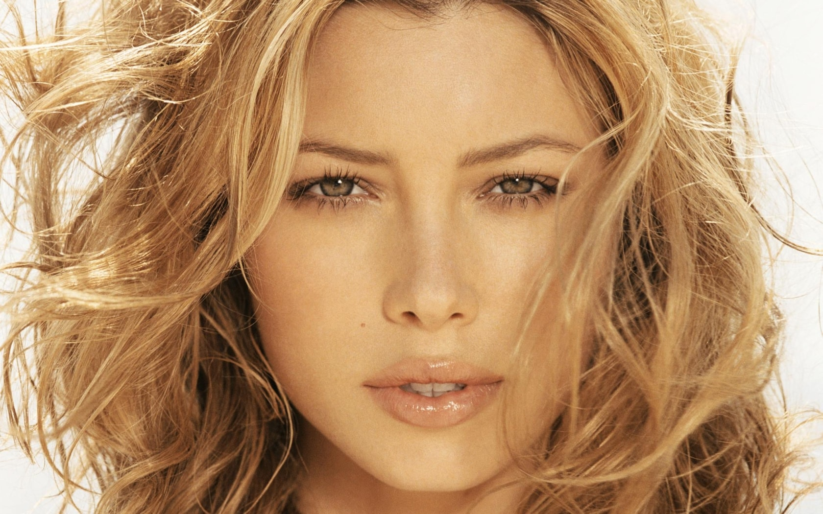 Jessica Biel Backgrounds