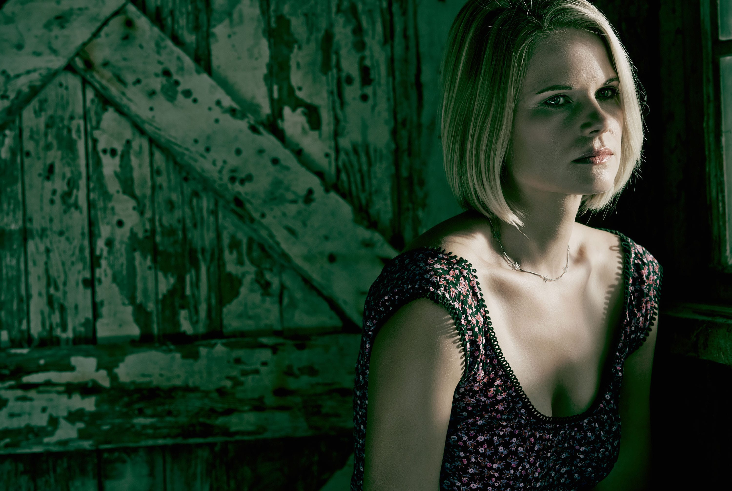 Joelle Carter Background