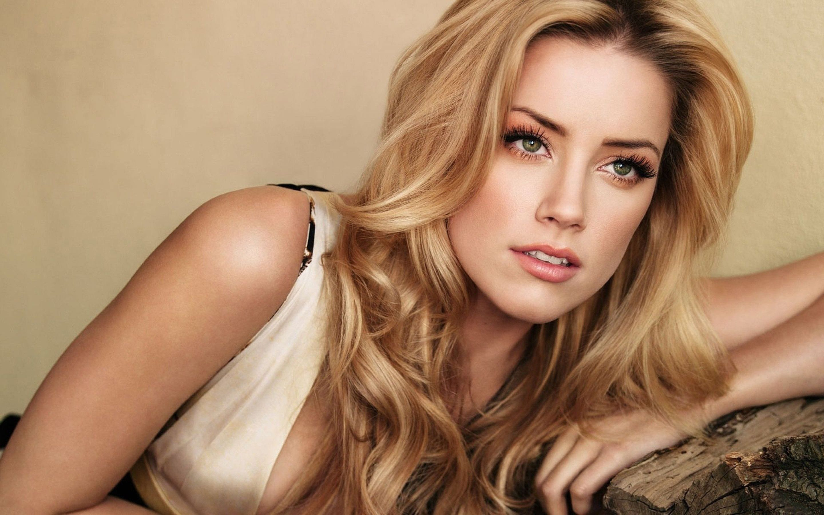Amber Heard HQ wallpapers