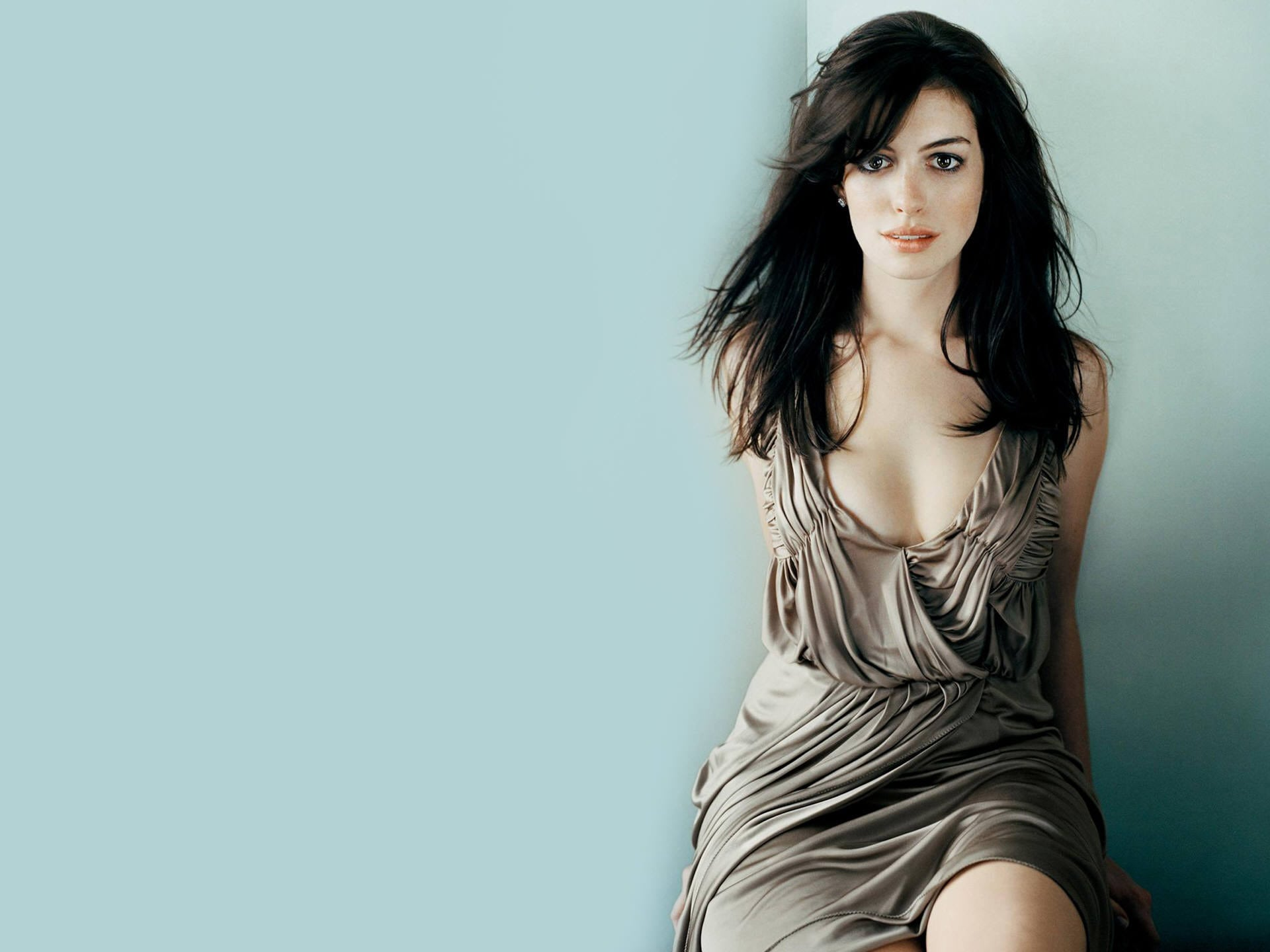 Anne Hathaway HQ wallpapers