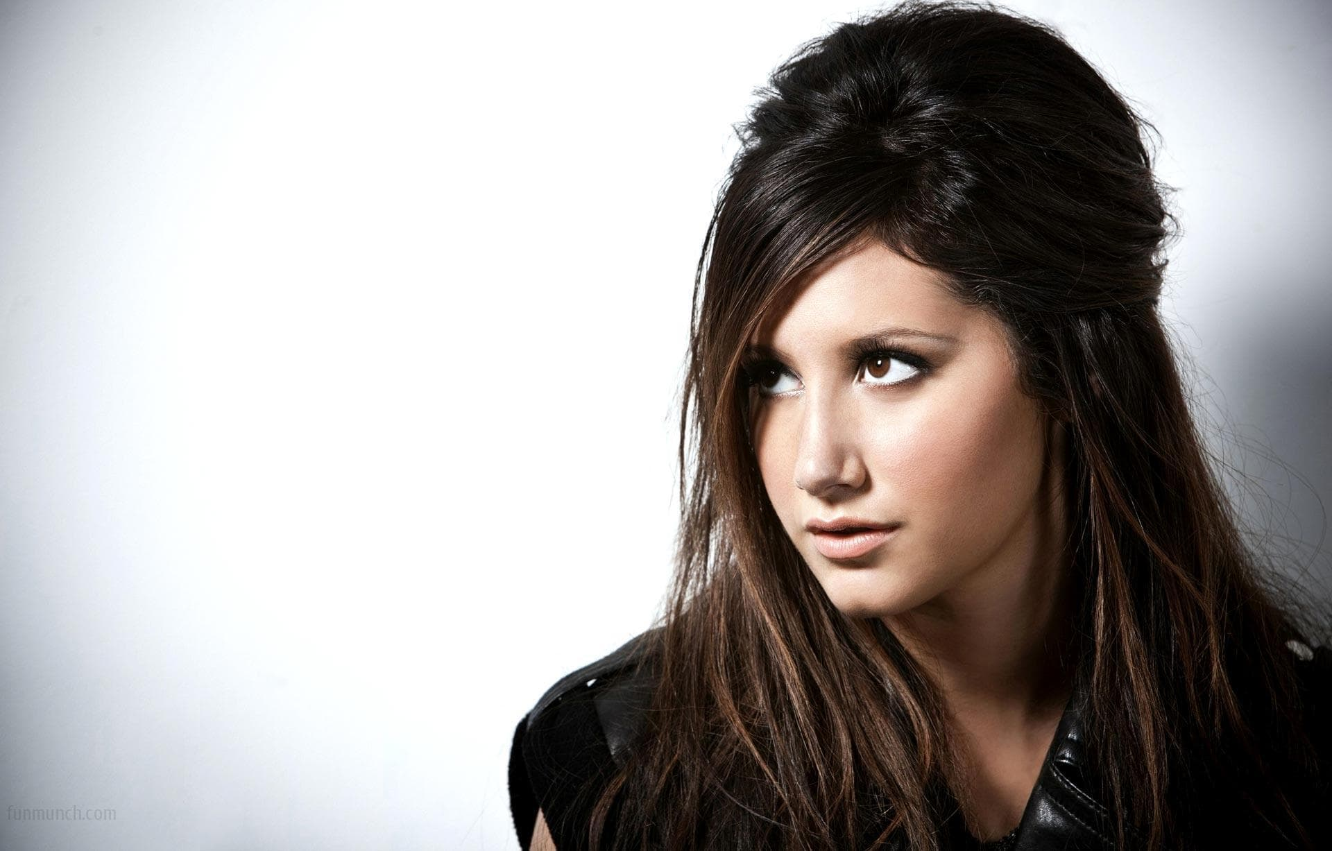 Ashley Tisdale full hd wallpapers