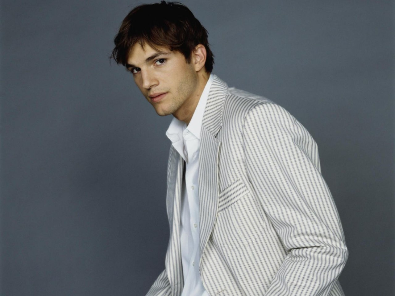 Ashton Kutcher Pictures