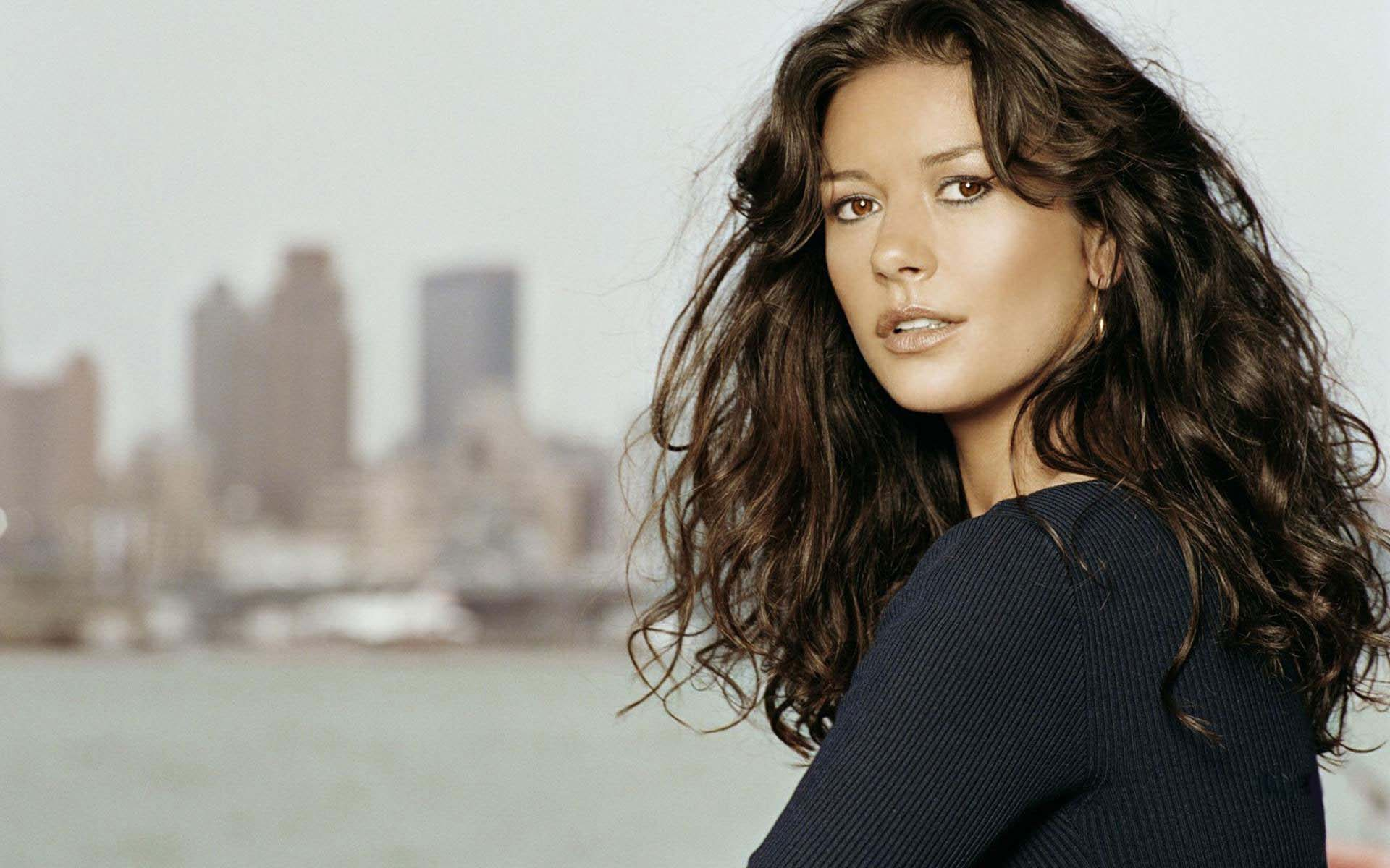 Catherine Zeta-Jones Pictures
