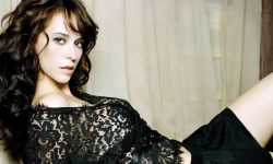 Jennifer Love Hewitt Backgrounds