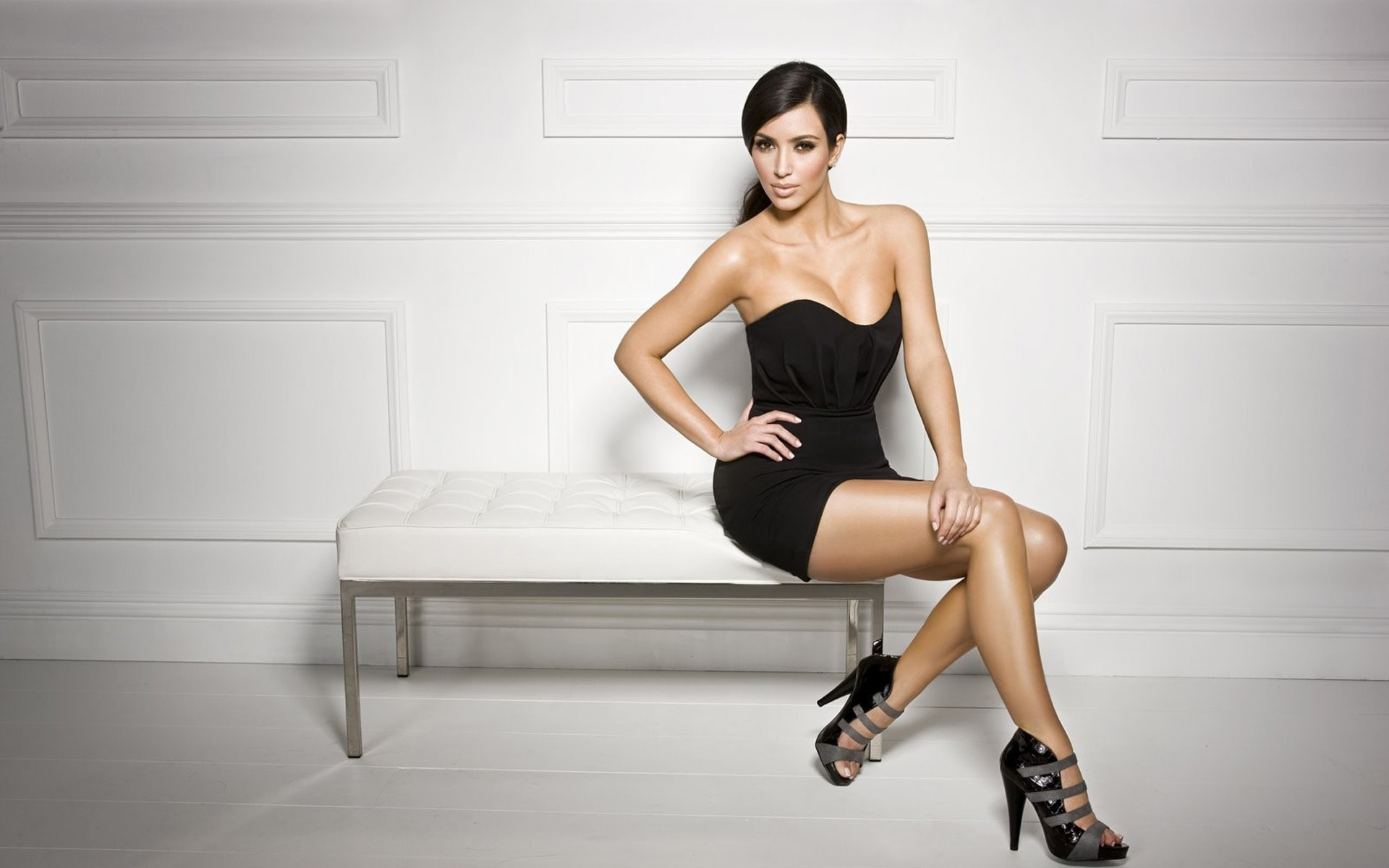 Kim Kardashian HQ wallpapers