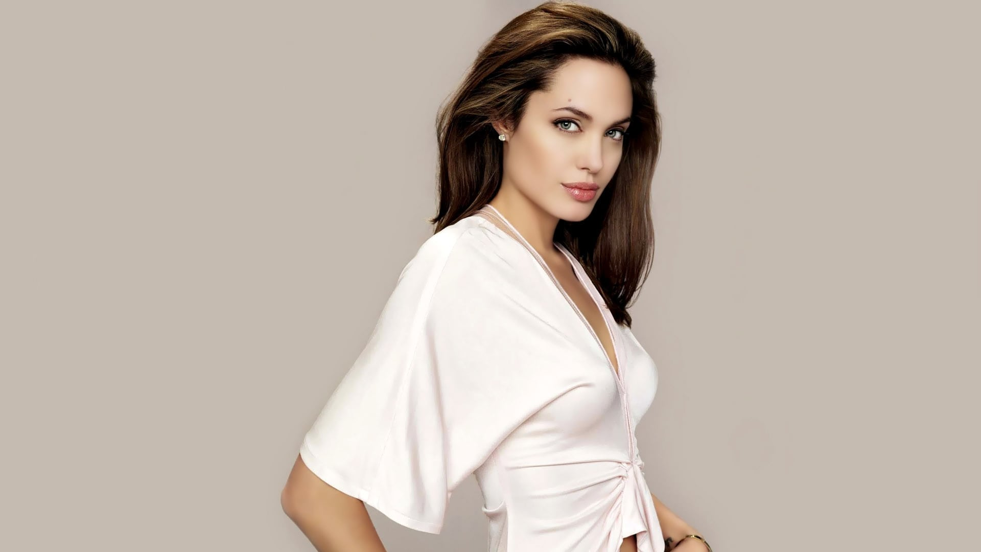 Angelina Jolie HD pics