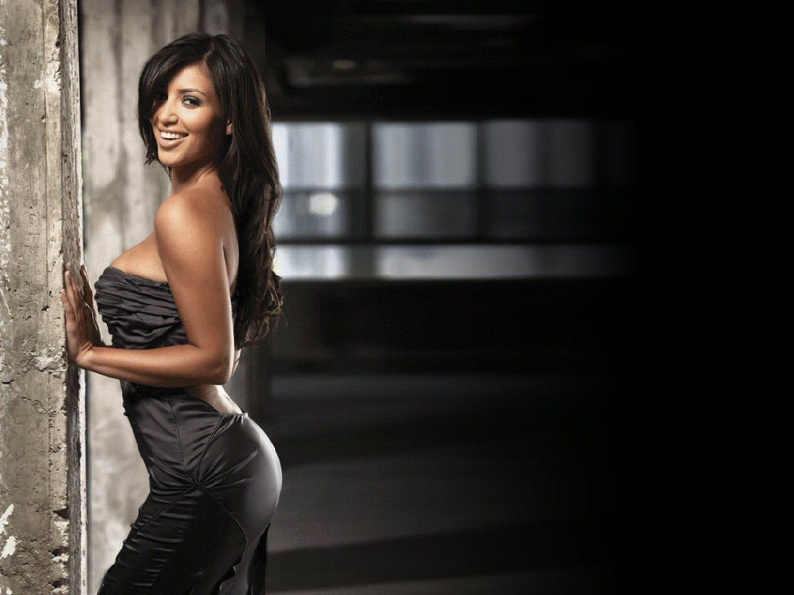 Kim Kardashian HD pictures