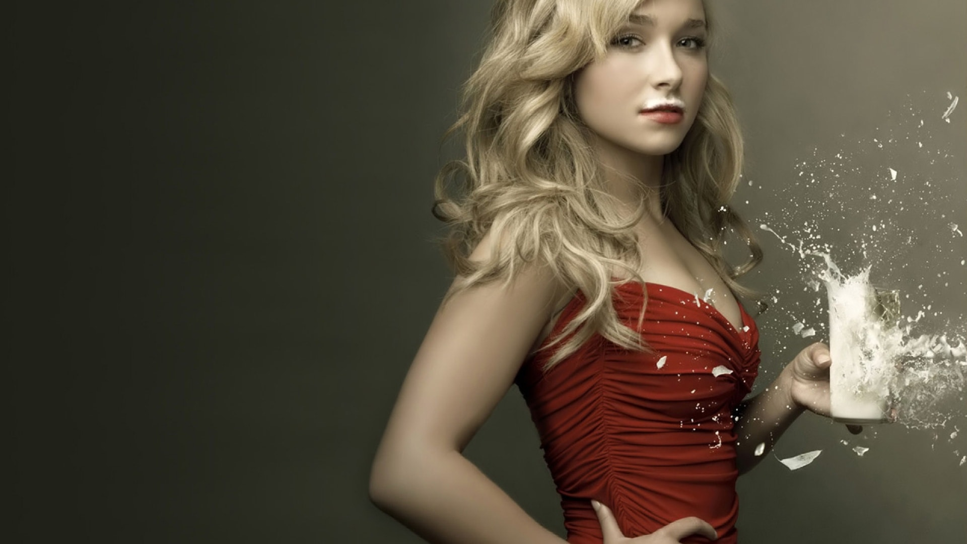 Hayden Panettiere Background
