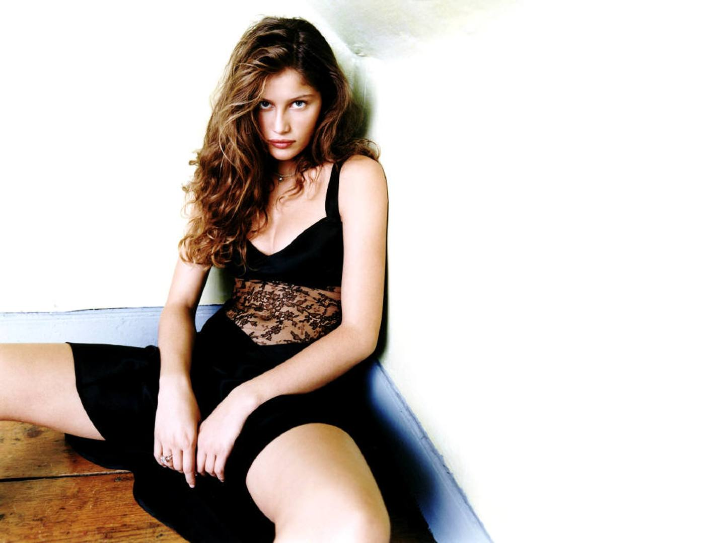 Laetitia Casta Background
