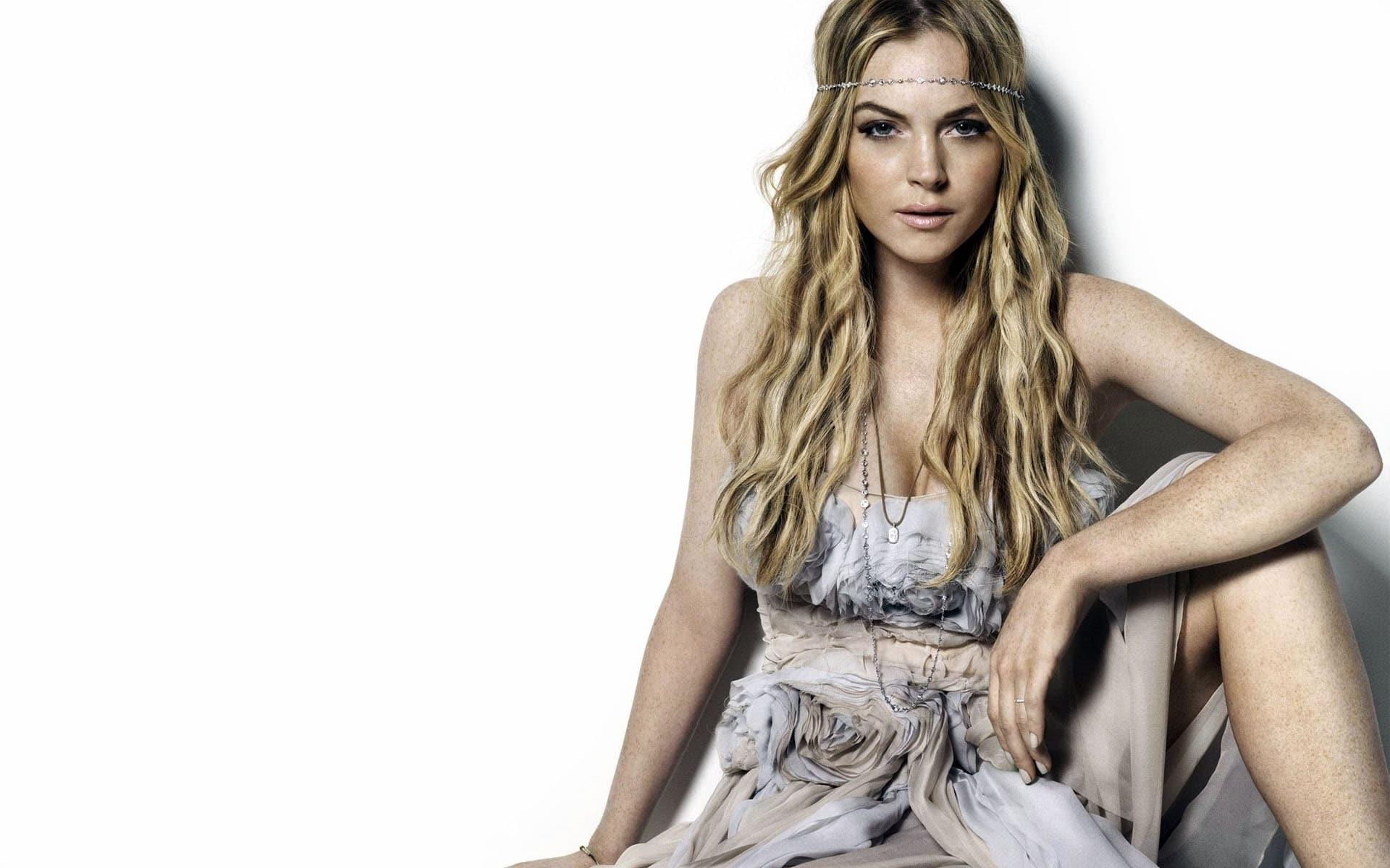 Lindsay Lohan Background