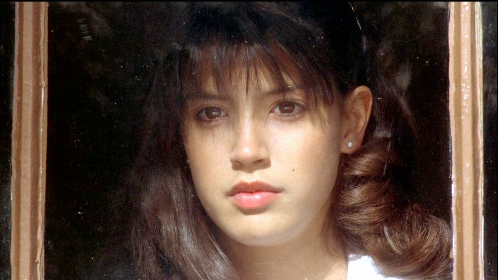 Phoebe Cates Wallpapers hd