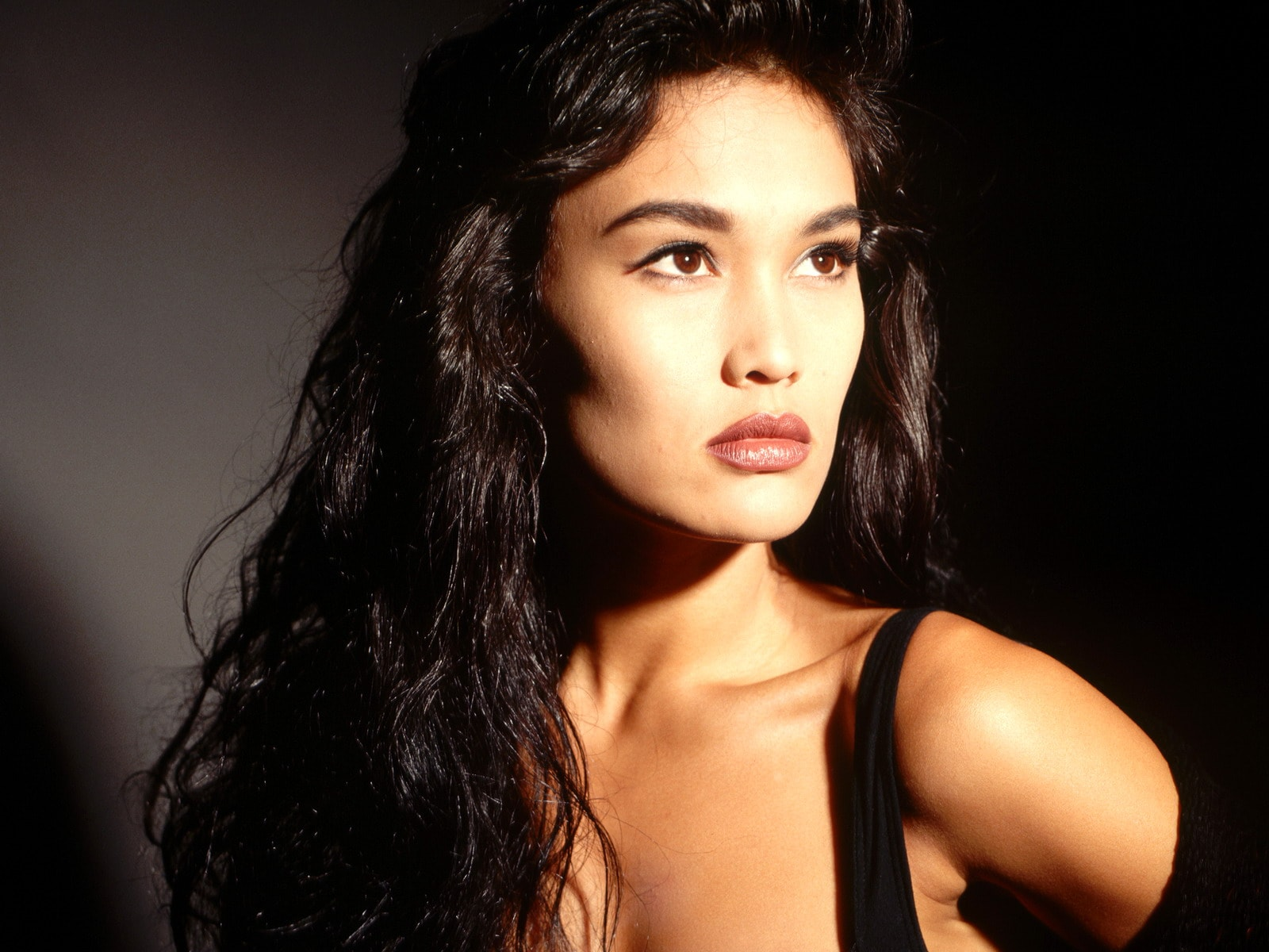 Tia Carrere Background