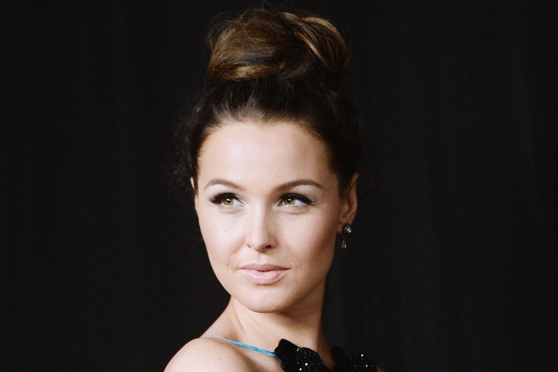 Camilla Anne Luddington HD pics