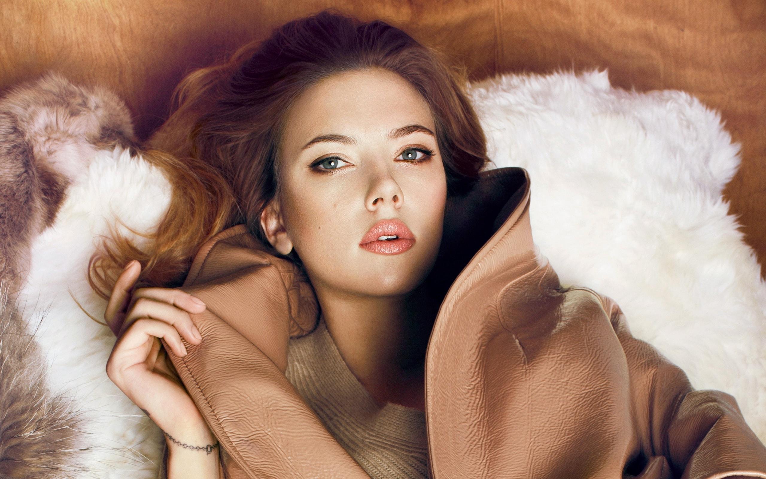 Scarlett Johansson Backgrounds