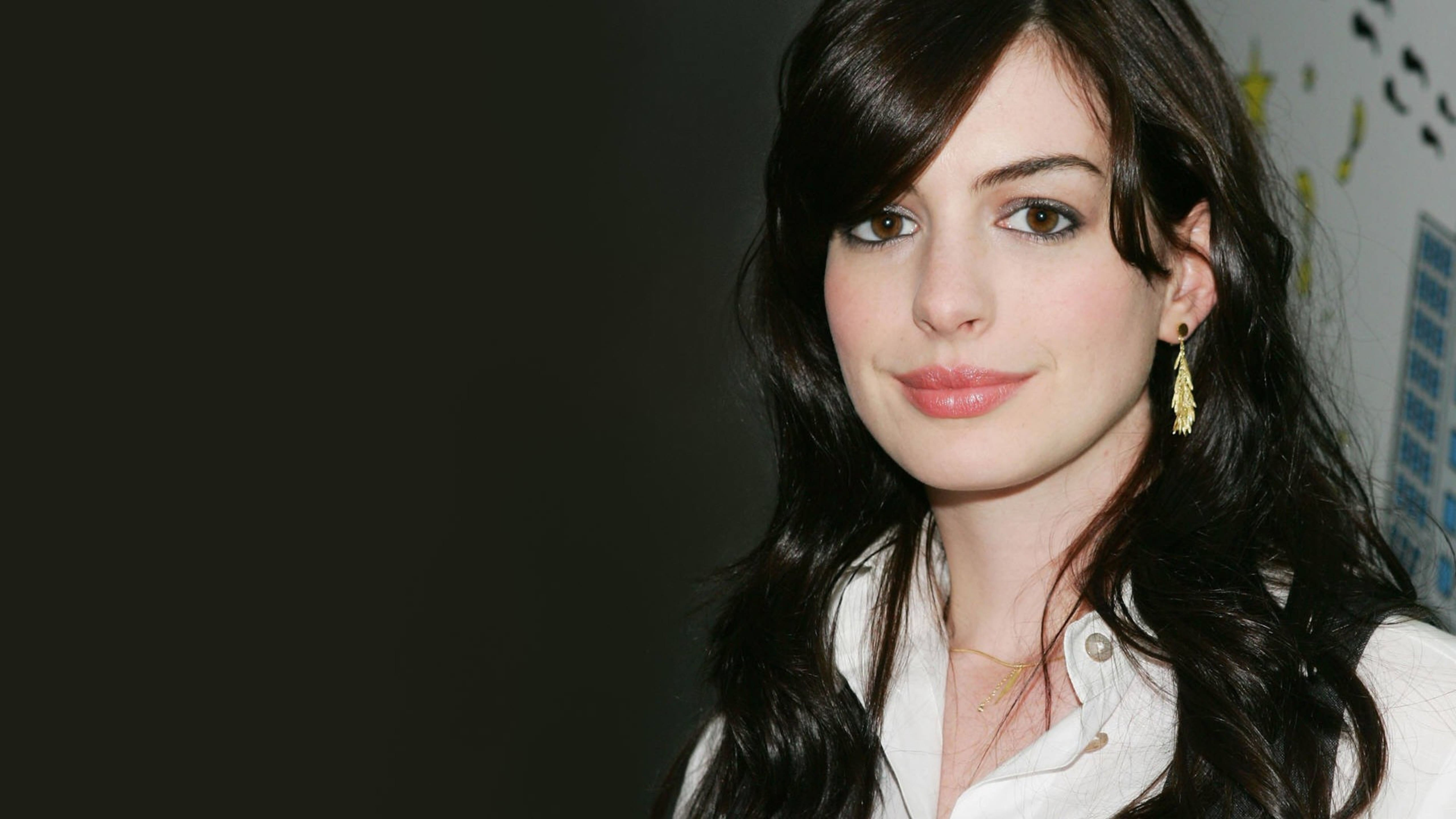 Anne Hathaway full hd wallpapers